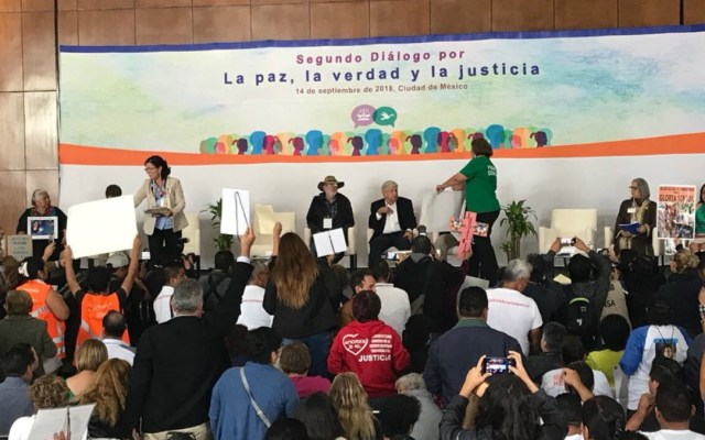 Familiares de desaparecidos demandan justicia a López Obrador - Foto de Internet
