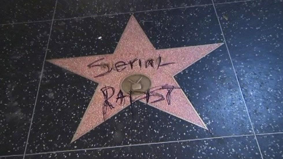 Vandalizan estrella de Bill Cosby en el Paseo de la Fama de Hollywood - Foto de Twitter