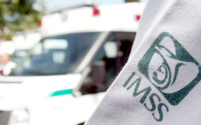 IMSS ahorró 167 mdp en antirretrovirales con la compra consolidada - Médico del IMSS. Foto de Internet