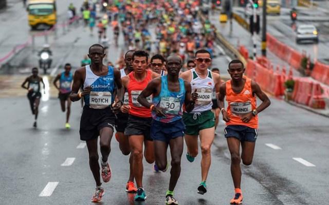 Atropellan a atleta keniano en medio maratón de Medellín - Foto de Olé Running