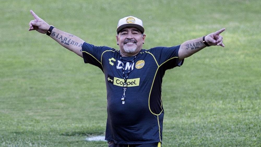 Vídeo: Maradona Andando con Dificultad en Entrenamiendo del Dorados