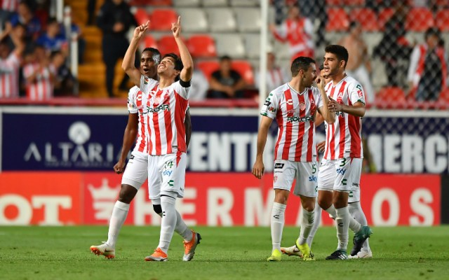 Necaxa descarrila a Cruz Azul y le quita invicto - Foto de Mexsport