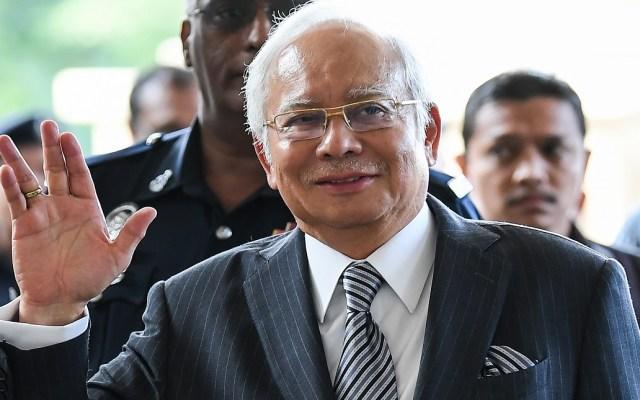 Ex primer ministro de Malasia enfrenta 21 cargos de peculado - Foto de AFP / Mohd Rasfan