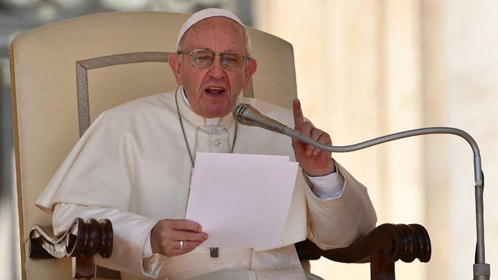 El papa Francisco lamenta cerrazón del mundo a los extranjeros - El papa Francisco lamenta el rechazo contra migrantes