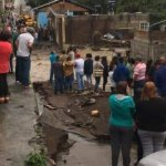 Una persona murió y tres más se encuentran desaparecidas, por la tromba de este domingo en Peribán, Michoacán. Foto de Quadratín.