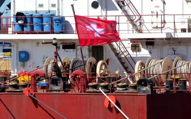 Piratas nigerianos secuestran buque de carga suizo - Foto de Massoel Shipping
