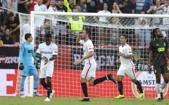 Golean a Guillermo Ochoa en su debut en Europa League - Foto de AFP