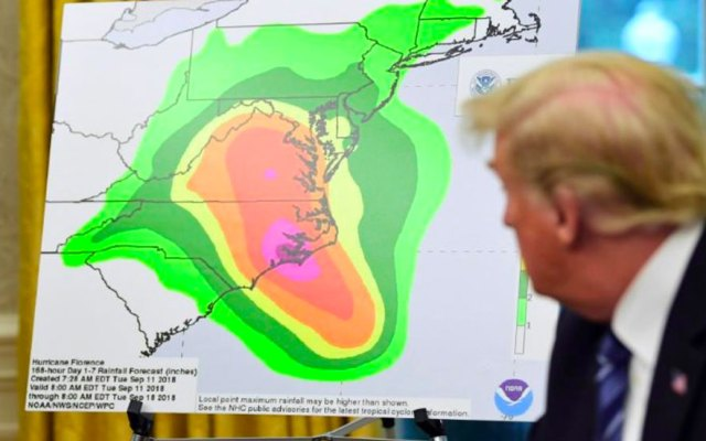 Trump responde a críticas sobre huracán Maria en Puerto Rico - Foto de AP