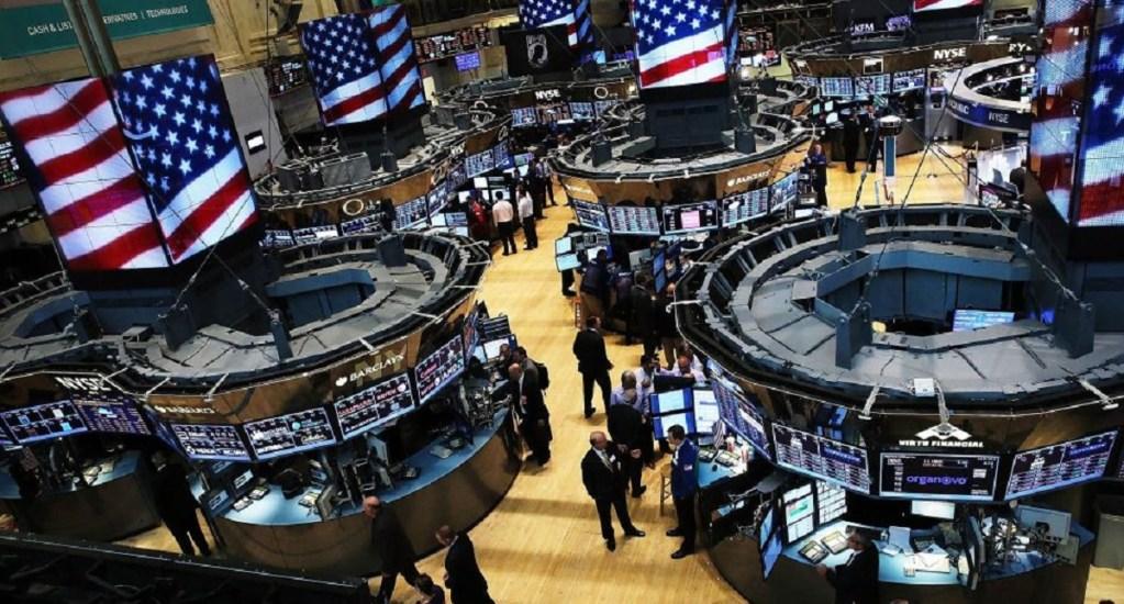 Wall Street sufre fuerte caída tras represalias chinas a EE.UU. - Interior de la bolsa de Wall Street. Foto de Internet