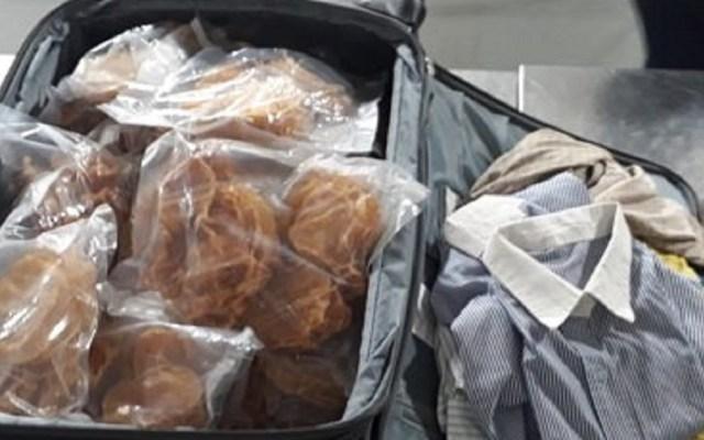 Aseguran 271 buches de totoaba dentro de maleta en AICM - Incautan maleta llena de buches de totoaba en el AICM. Foto de @PROFEPA_Mx