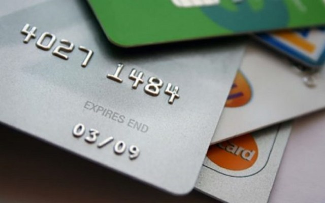 Cargos no reconocidos a tarjetas de débito deberán abonarse en dos días - Tarjetas bancarias. Foto de Internet