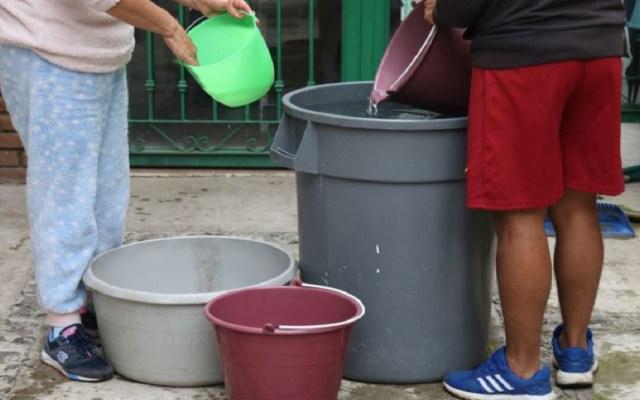 Advierten a padres de familia vigilar a menores cerca de depósitos de agua - Este miércoles inició el corte de agua en la CDMX. Foto de Internet