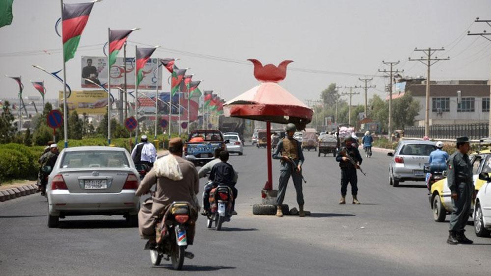 Varios muertos y decenas de heridos tras explosiones en comicios de Afganistán