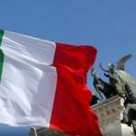 Moody's deja la deuda italiana al borde del bono basura - Italia rebaja la calificacion de la deuda de italia