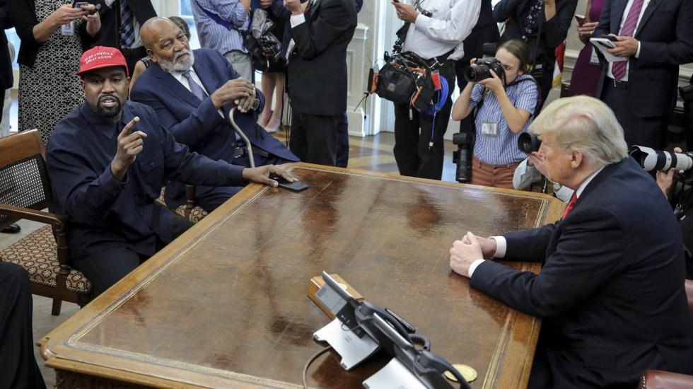 Kanye West visita a Donald Trump en la Oficina Oval - Foto de Pool/Getty Images North America/AFP