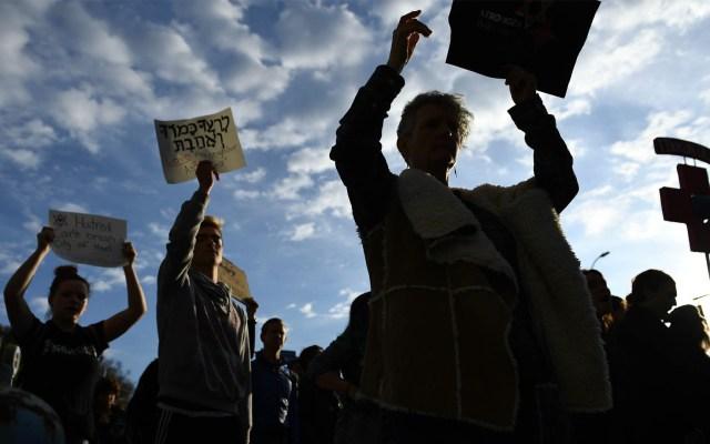 Protestan en sinagoga de Pittsburgh contra visita de Trump - Sinagoga