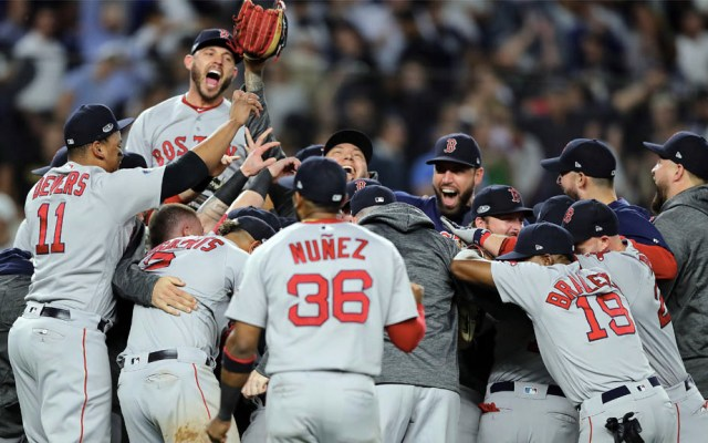 Medias Rojas de Boston vencen a los Yankees  y van por la Americana - Foto de ELSA/GETTY IMAGES NORTH AMERICA/AFP