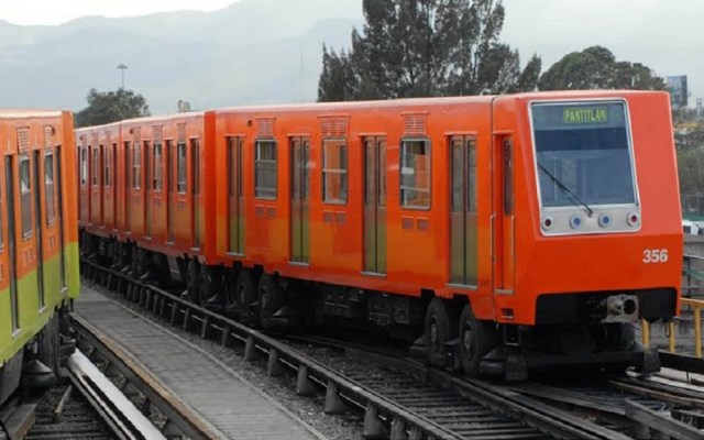 Metro, Metrobús y Suburbano tendrán horario de día festivo este lunes - Metro de la CDMX. Foto de @MetroCDMX horario