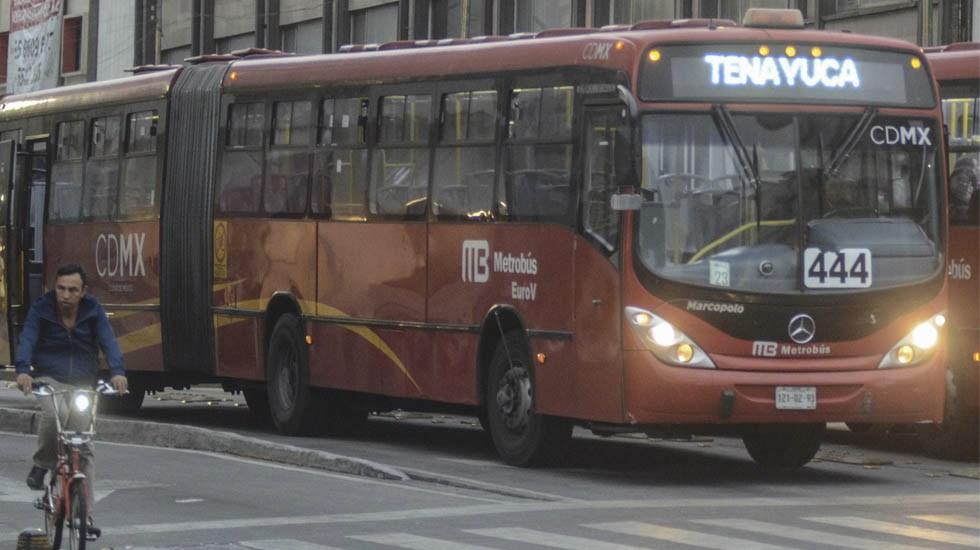 Nudo vial interrumpe servicio de Metrobús en la Línea 3 - Metrobús