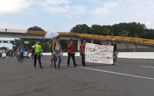 Este jueves se registró una marcha en Tapachula para apoyar a la caravana de migrantes proveniente de centroamérica - Foto de Lilian Padilla/ Milenio