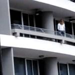 #Video Mujer cae desde piso 27 por intentar tomarse una selfie