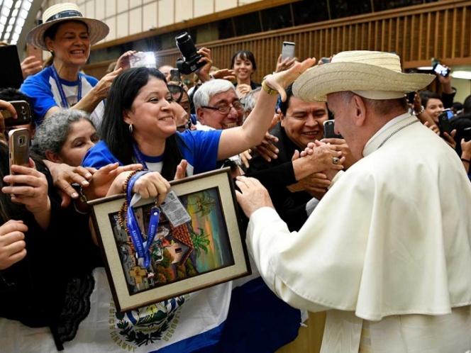 papa francisco visita el salvador