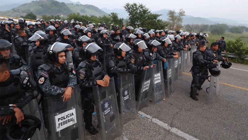PF reabre paso a caravana migrante rumbo a Oaxaca - Foto de @MauricioCollado