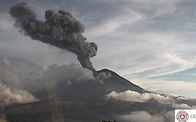 Popocatépetl registra explosión de casi tres kilómetros de altura - Foto de Conapred