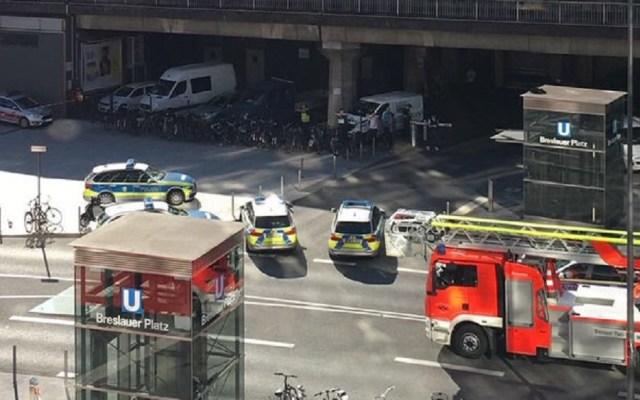 Policía de Alemania se moviliza por toma de rehenes - La Policía de Colonia cerró estación de tren por toma de rehenes. Foto de @RTLWEST