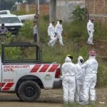 Exhuman 16 cuerpos de una fosa clandestina en Jalisco - Foto de AFP