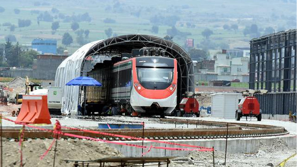 Comuneros interrumpen obras del Tren Interurbano México-Toluca - Foto de internet