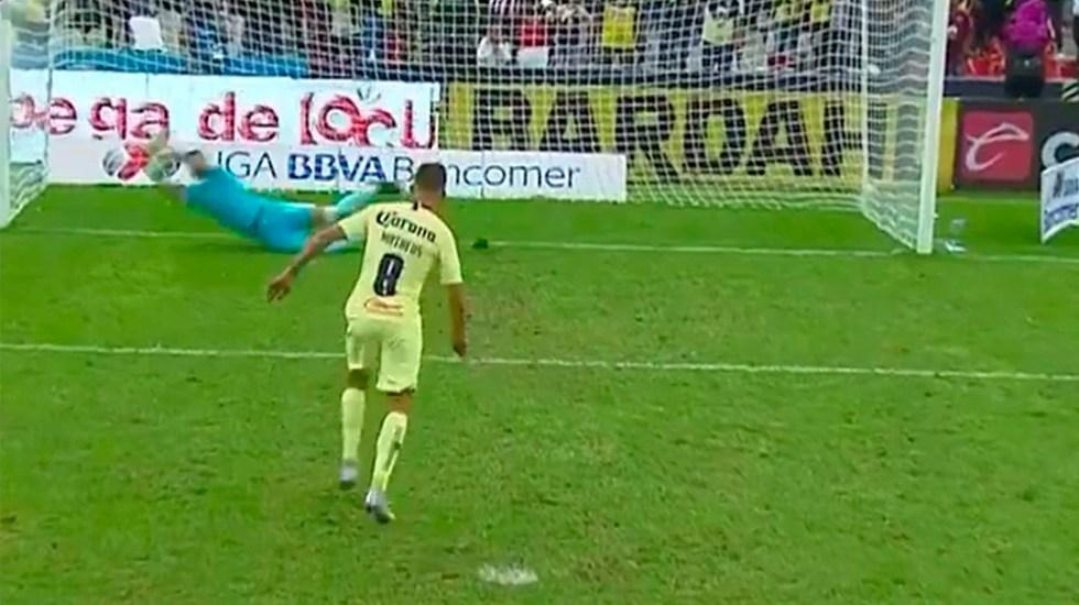 No sé por qué Mateus Uribe pateó el penal: Miguel Herrera