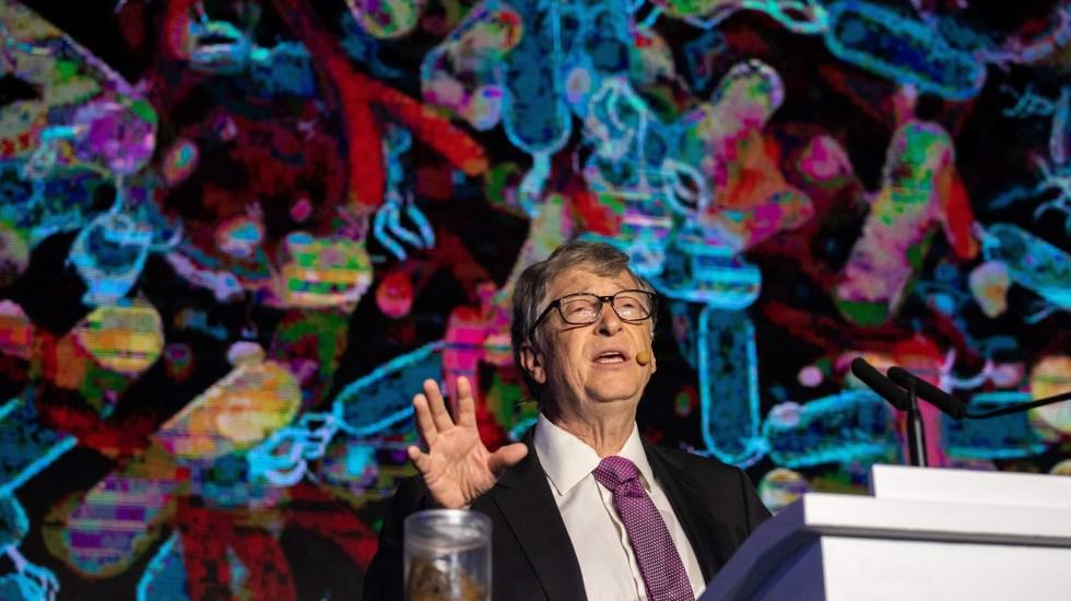 Bill Gates presenta baño que no necesita agua - Foto de AFP