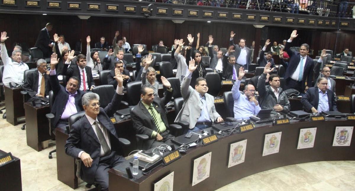 Otro mandato de Maduro sería 'inconstitucional', dice congreso venezolano