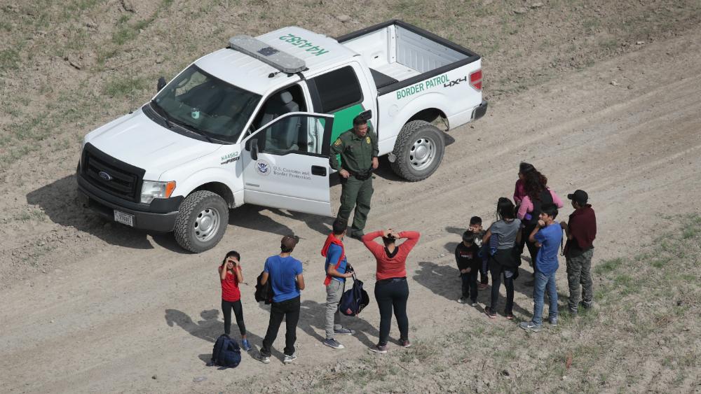 Juez impide a EEUU aplicar prohibición de asilo de Trump