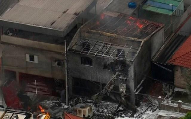 Desplome de avión pequeño deja dos muertos en Brasil - Foto de TV Globo