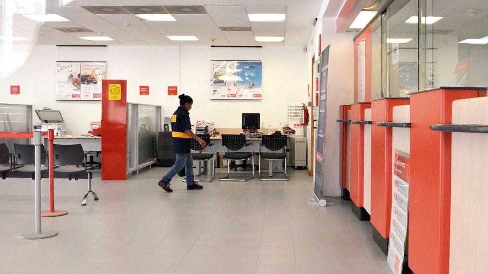 Por COVID-19, bancos cambian horarios en el Valle de México - Foto de El Demócrata