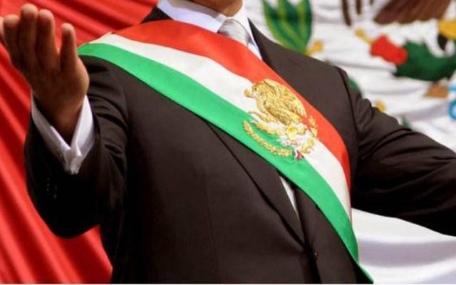 Que tomen en cuenta el sentimiento del pueblo, pide AMLO a ministros sobre consulta a expresidentes - Banda presidencial de México. Foto de Archivo
