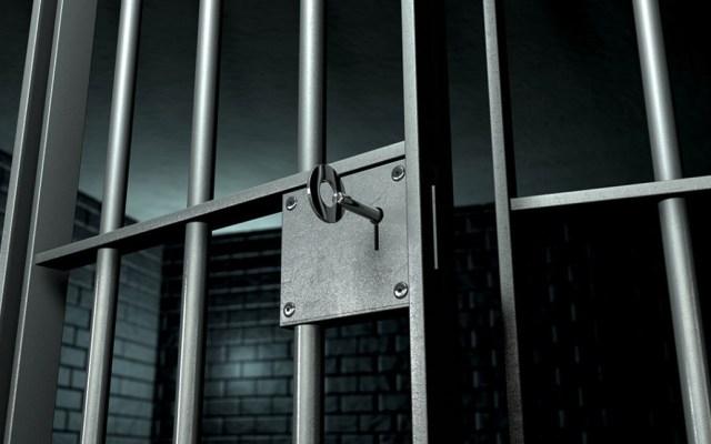 Detienen a profesor acusado de abusar sexualmente de cinco alumnos en Edomex - Ir a la cárcel. Foto de Internet