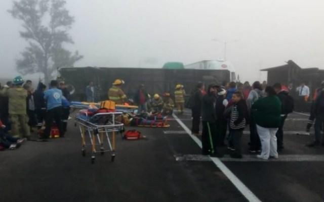 Choque entre autobús y tráiler en Jalisco deja 28 lesionados - Foto de Internet