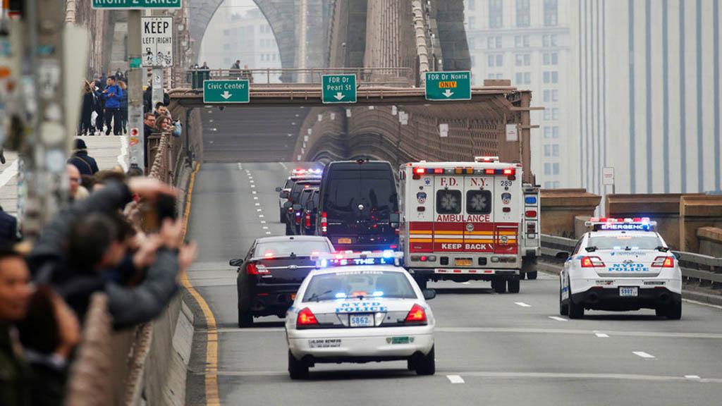 Convoy de traslado de El chapo a corte de Brooklyn. Foto de Internet