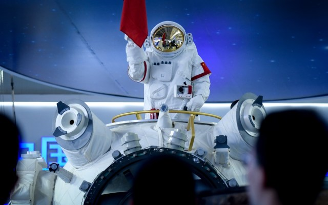 China presenta réplica de la que será su estación espacial - La Estación Espacial China tendrá capacidad para albergar a tres astronautas. Foto de AFP / Wang Zhao