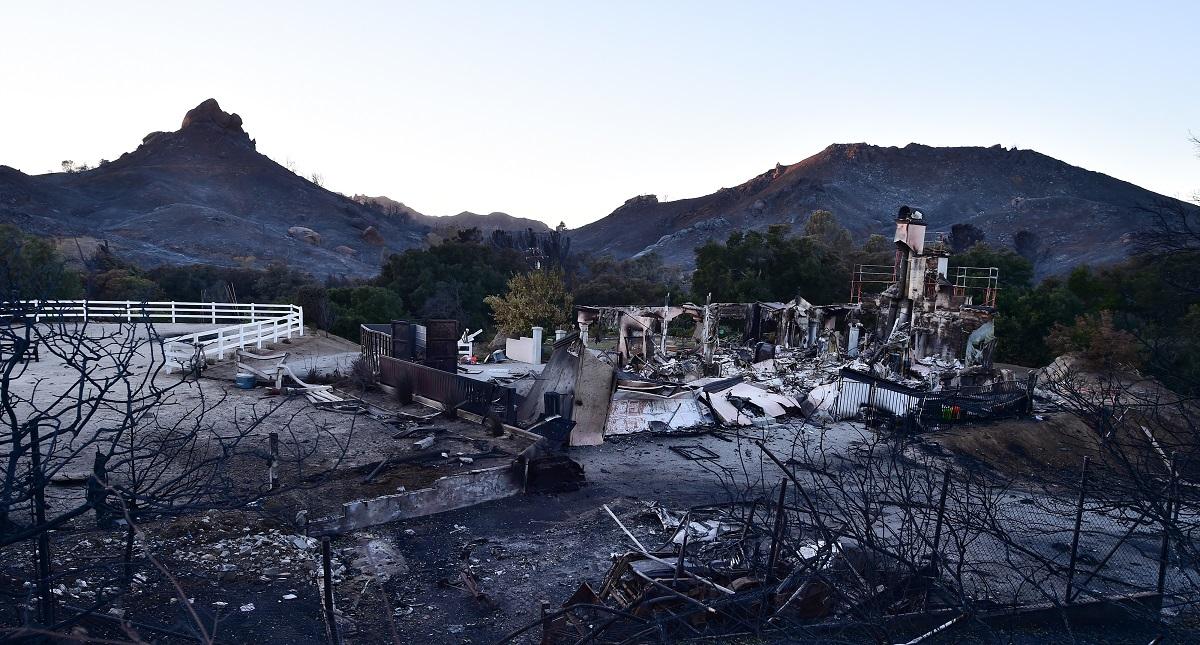 Afectaciones al sur de California por el Woolsey Fire. Foto de AFP / Robyn Beck