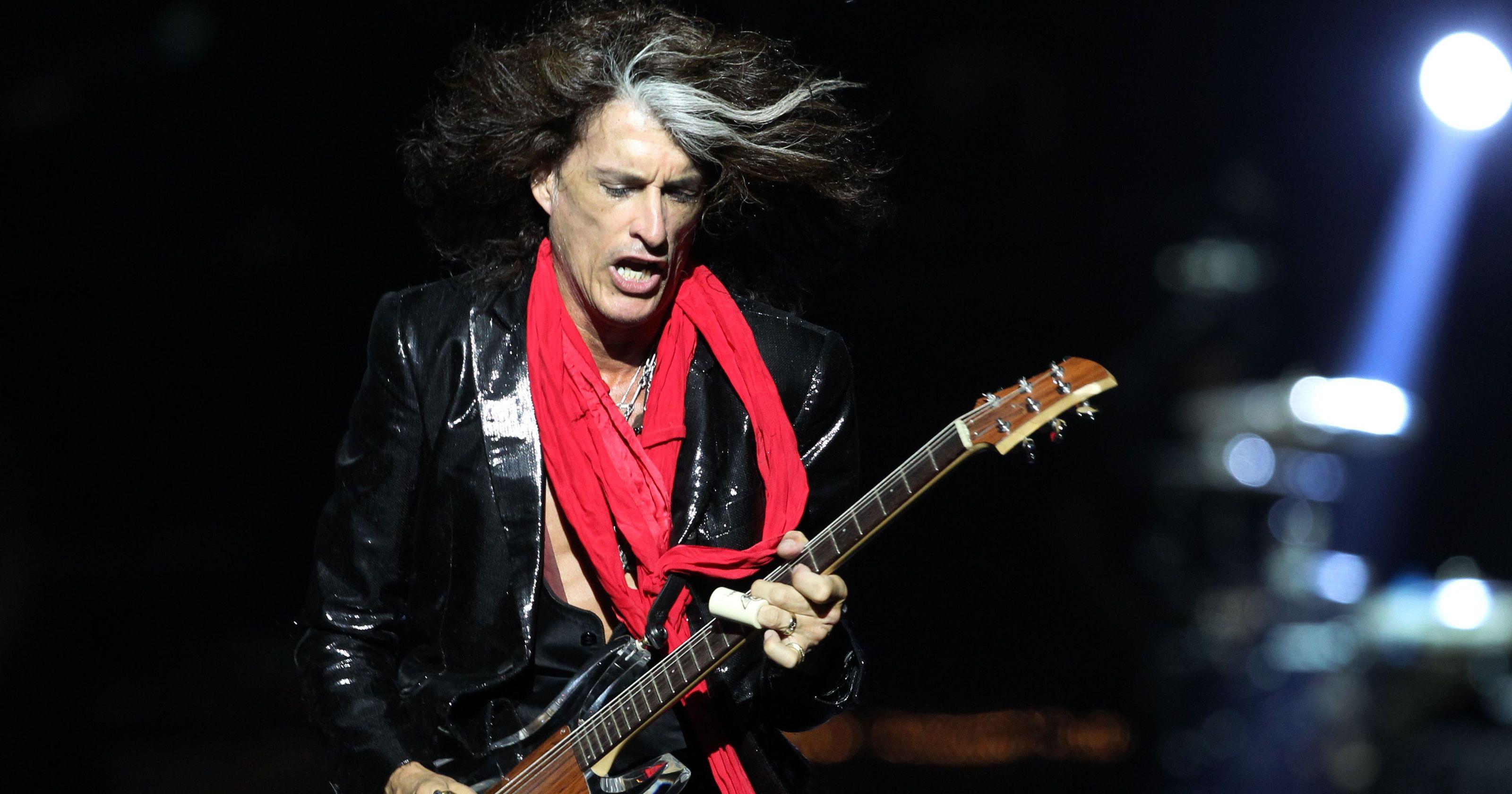 Hospitalizan al guitarrista de Aerosmith Joe Perry
