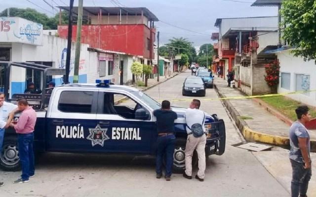 Ejecutan a cinco hombres al interior de casa en Tuxtepec - La Policía Estatal de Oaxaca acordonó la calle Puebla por el multihomicidio. Foto de Internet-