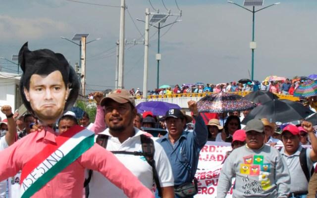 Maestros bloquean la Autopista del Sol en Chilpancingo - Foto de @JacobMorant