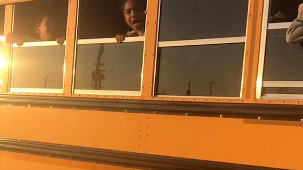 #Video Niños gritan asustados tras amenazas de chofer de autobús escolar
