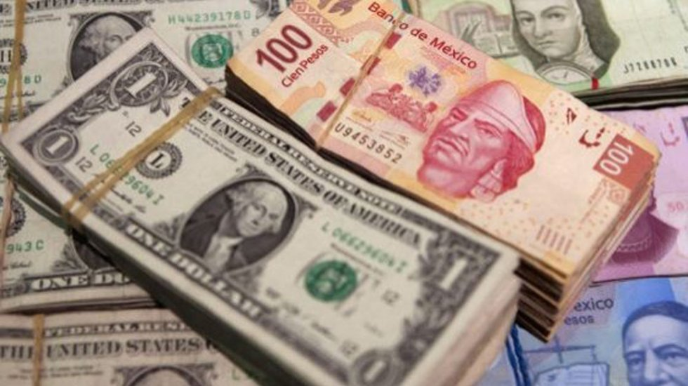 Dólar se mantiene a la baja y se vende en 19.36 pesos - El peso modera caída frente al dólar por lópez obrador