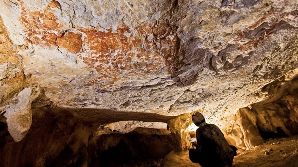 Encuentran la pintura figurativa más antigua conocida hasta ahora - Foto de The Guardian