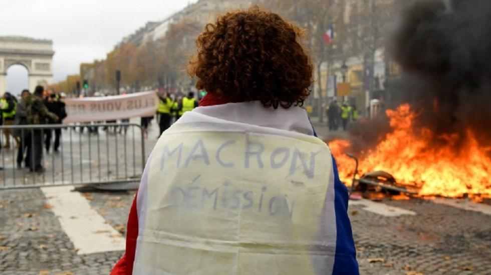 Protestan en París por alza de combustibles - Foto de AFP